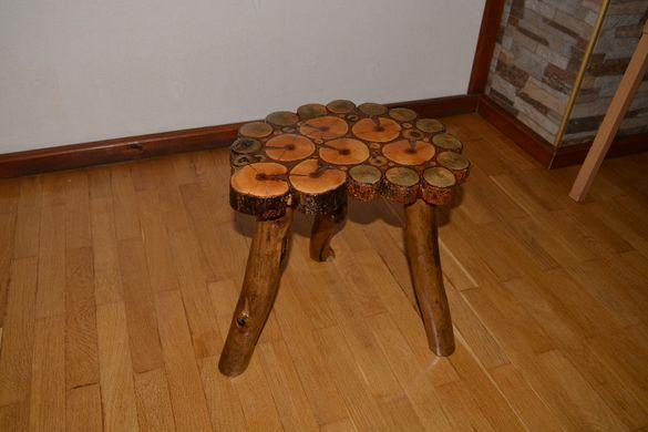Дървена Табуретка