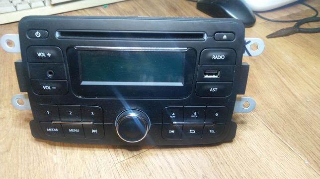 Radio, CD player, duster