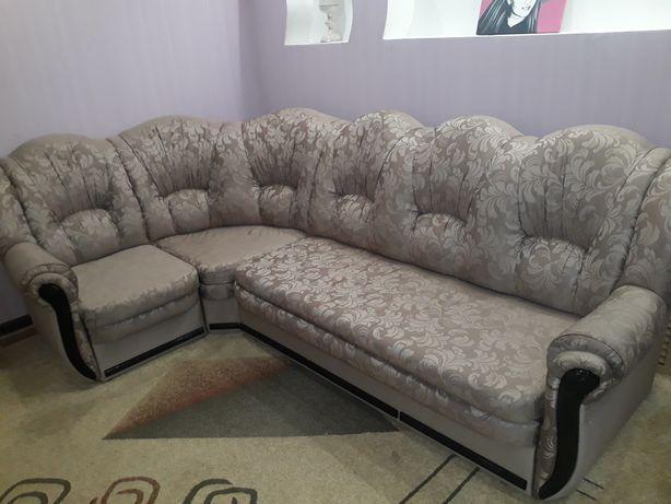 Угловой диван , кресло-кровать