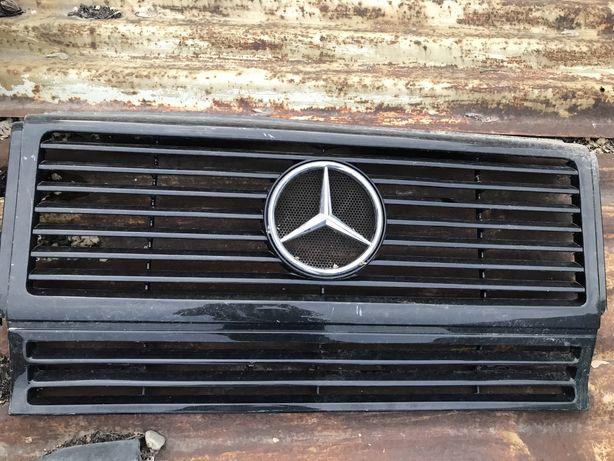 Решетка Mercedes G class