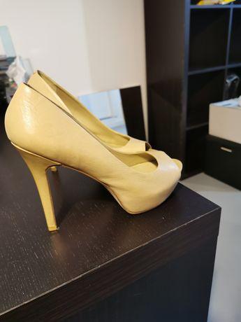 Pantofi cu toc crem Aldo marime 40