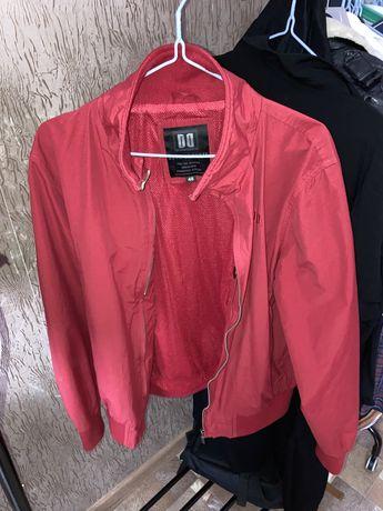 продам фирменную легкую куртку
