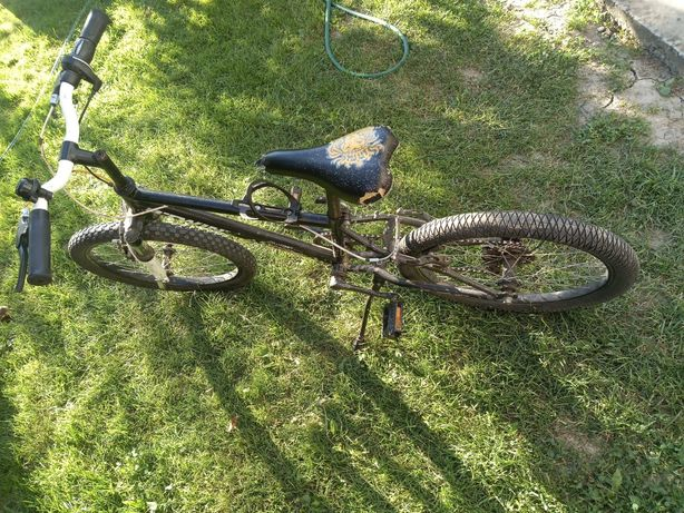 Vând bicicleta Btwin copii