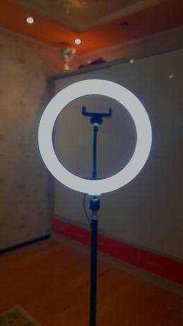 Лампа,хорошем качестве,есть 3 цвета,