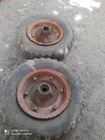 Продам два колеса на прицеп