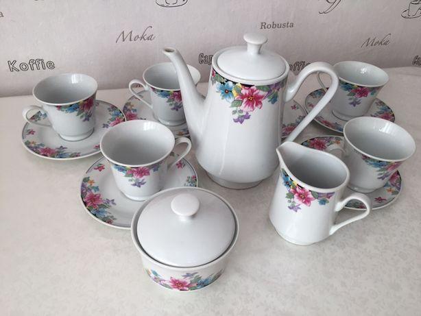 Сервиз чайный в отличном состояний