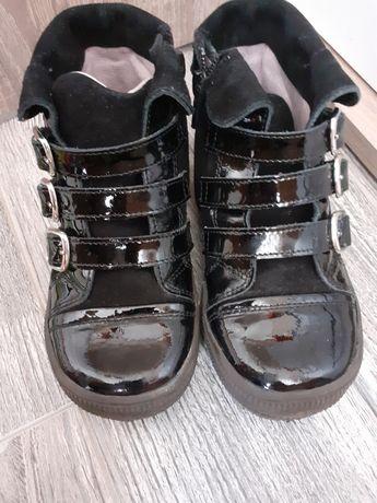 Нови обувки 25 н. ест.кожа