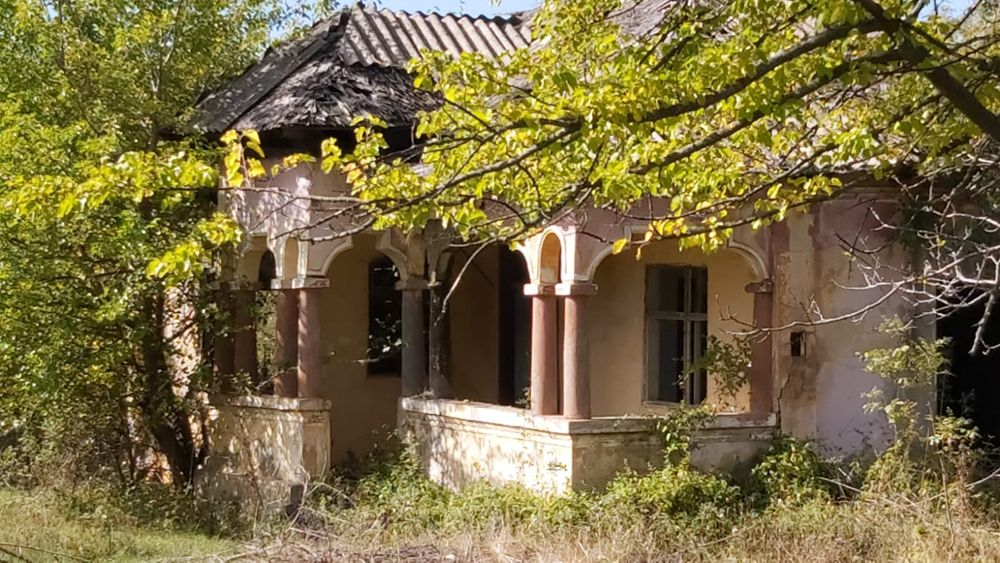 Teren cu casa veche sat Popesti com Cocu jud Arges Bucuresti - imagine 1