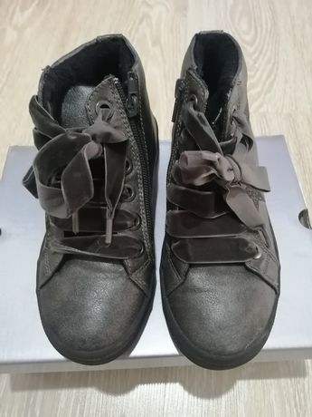 Детская обувь на девочку, цена за 5 пар