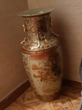 Продам вазу напольную