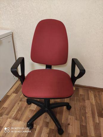 Офисное кресло/ продается