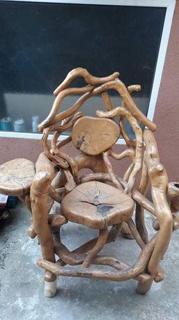 Стол трон дърво корени