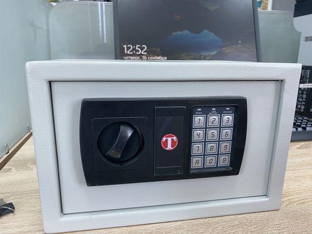 Продаем сейф Техномакс Hotel TSE/0