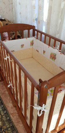 Детскую кроватку+Матрасик +Бортики