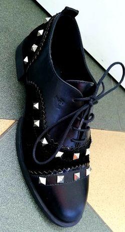 Страхотни спортно-елегантни дамски обувки от естествена кожа