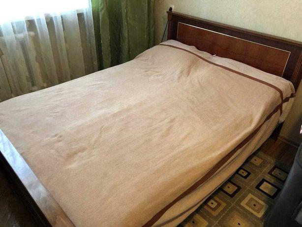 Продам спальный гарнитур чистое дерево Румыния ТОРГ