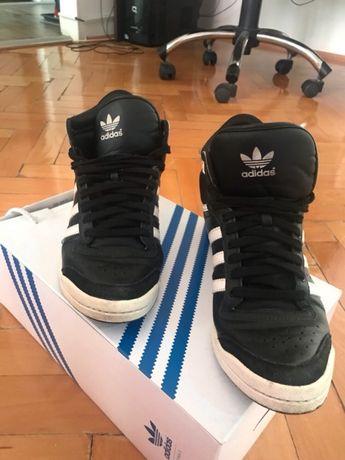 Adidasi dama Originals Sleek Series
