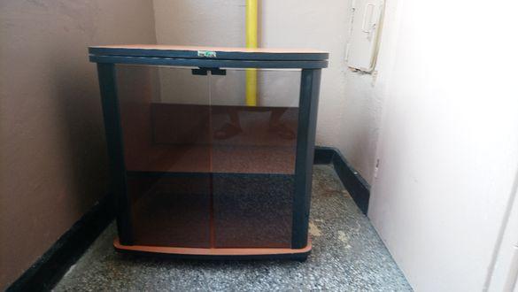 Телевизионен шкаф