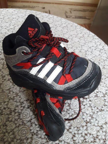 Оригинални маратонки на(Adidas)