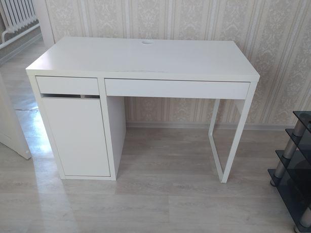 Стол для учебы от ikea