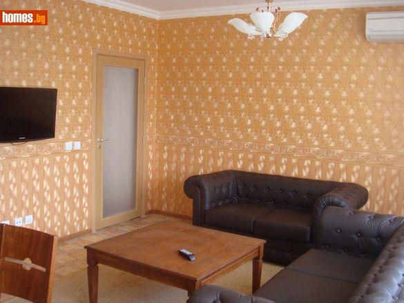 Апартамент-112 кв.м-Пловдив/Продавам