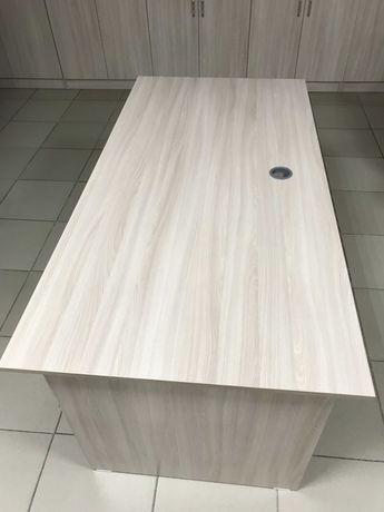 Офисный стол Длина 180 Ширина 60 Высота 75