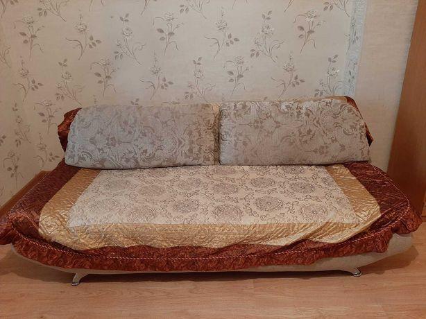 Қонақ күтетін зал бөлмесіне арналған диван