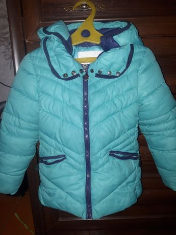 Продам куртку на девочку 7_8 лет