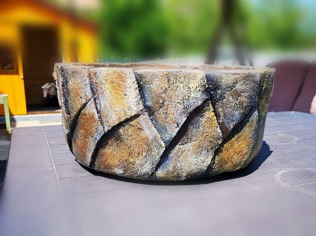 Ghiveci/suport flori din ciment