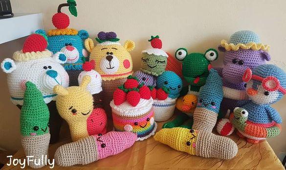 Плетени на една кука играчки