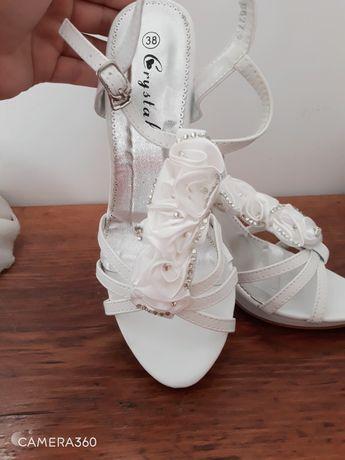 Sandale albe mireasă