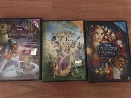 Desene pe CD: Frumoasa si bestia, Rapunzel, Printesa si Broscoiul