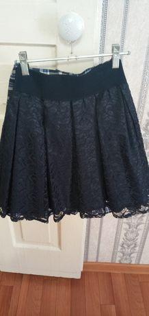 Продам школьную гепюровые юбку