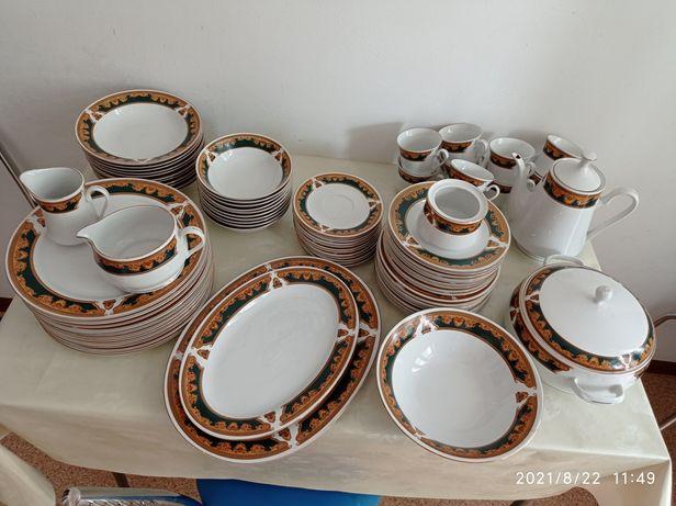 Продаю набор посуды за 50000тг цена окончательная