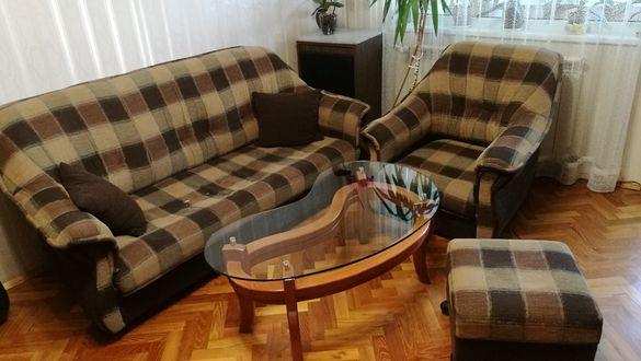 Холна гарнитура(диван, фотьойл и табуретка)