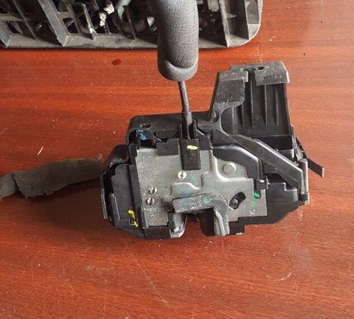 Actuator Broasca usa Renault Laguna 3 keyless