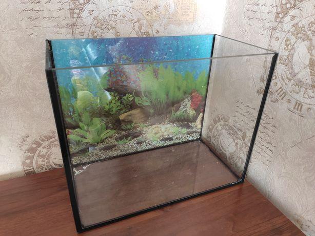 Продам аквариум 35/30/20см