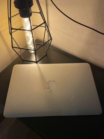 MacBook air в хорошим состояний