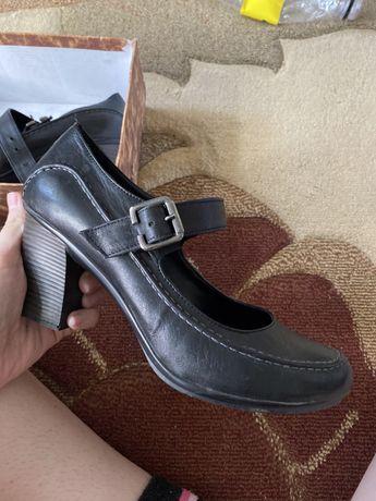 Туфли женские 39 кожаные