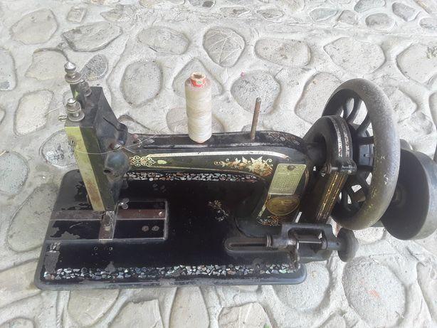 Masina de cusut vintage