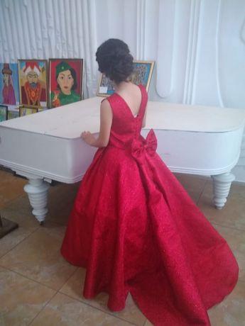 Бальное (можно и для сцены) платье