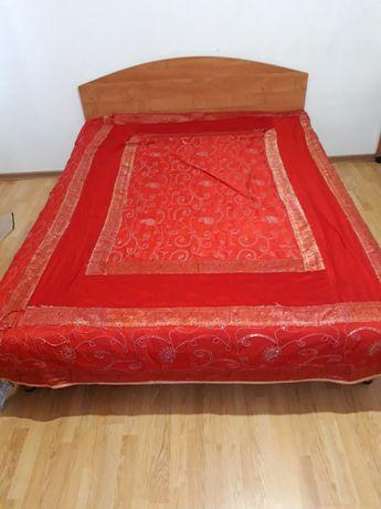 Продаётся кровать двух спалка тахта
