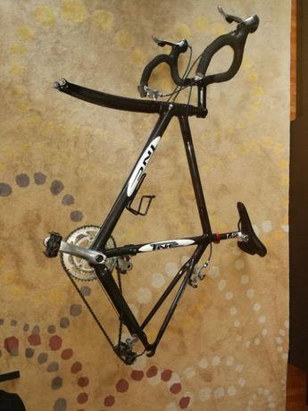 "Bicicleta cursiera TNC cadru carbon monocoque 28"""