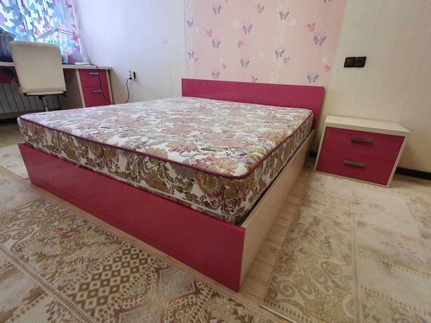 Спальный гарнитур в комплекте для девочек