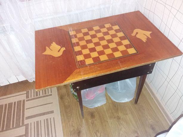 Журнальный стол для шахмат