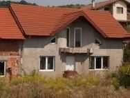 Vand Casa Duplex (Nu au perete comun, au fundatii separate)