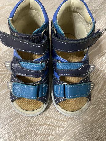 Продам сандали на мальчика, ортопедические, 23 размер, с орт.стельк