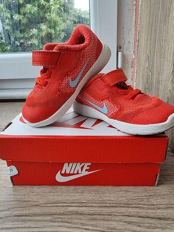 Маратонки Nike 22 номер