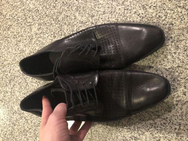 Pantofi nr 40