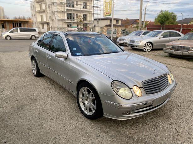 Dezmembrez Mercedes w211 E270/E220